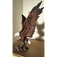 Grand aigle of wings glory colorierte statue de temple