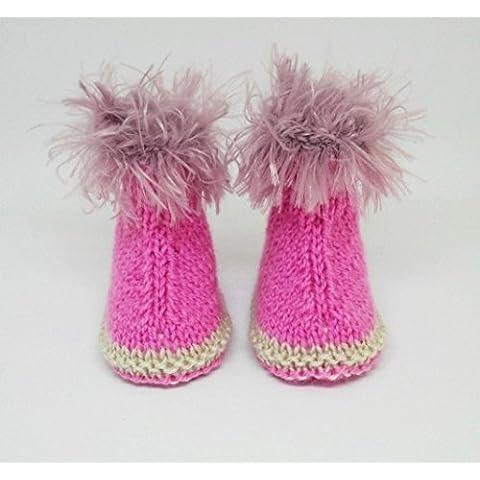 Rosa neonata di stivaletti, stivaletti a maglia a mano, pantofole