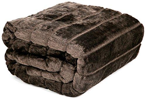 Mantas de Cama y Colchas de Sofa Mantas Piel Sintética y reverso de forro polar + Bolsa de Almacenamiento 140 x 180 cms Airee Fairee(Marrón)