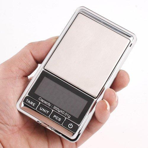Báscula Digital con plataforma de acero inoxidable profesional y pantalla LCD con luz de fondo; fácil de operar y de leer..Te permite calibrarla manualmente mediante el teclado..Especificaciones:.Pantalla LCD con retroiluminación;Alimentación: 2 bate...