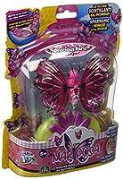 Giochi Preziosi 28032Gioca con le magiche farfalle: loro sbatteranno le ali colorate, realizzando oltre 40 diversi movimenti. Utilizza il caricatore a fiore per posizionarvi sopra la farfalla: lei inizierà a muoversi sbattendo le ali. La conf...