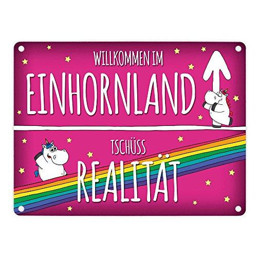 Produktbild bei Amazon - Honeycorns Metallschild mit Einhorn Stadtschild Motiv und Spruch: Willkommen im Einhornland