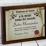 Calledelregalo Regalo Personalizable para tu Pareja: Diploma pergamino 'a la Mejor Novia del Mundo' Personalizado con su Nombre, dedicatoria, Firma y Fecha