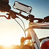 AUKEY Altavoz Bluetooth al Aire Libre con Tiempo de Reproducir de 24 Horas, Portátil y Resistente al Agua, Graves Mejorados, Altavoz Inalámbrico para iPhone, iPad, Samsung y Más (SK-M12, Negro)