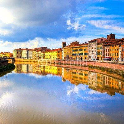 "Poster-Bild 90 x 90 cm: ""Pisa, Arno river and buildings reflection. Lungarno view. Tuscan"", Bild auf Poster"