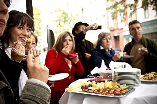 Geschenkgutschein: Kulinarische Stadtführung von eat-the-world (z.B. als Erlebnisgeschenk für zwei) - 7 Kostproben in 3 Stunden + Infos zu Kulinarik und Kultur Kulinarische Erlebnis-Tour Geschenkkarte
