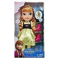 Gioca con il tuo personaggio preferito di Frozen con la bambola di pattinaggio su ghiaccio Anna Disney Frozen. Questo 38,1cm bambola ha bracci mobili e gambe ti aiuteranno a pensare divertente Ice Skating avventure intorno arendelle, e la ba...