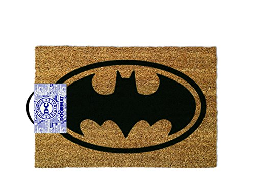 This officially licensed doormat has a large motif of classic main logo from DC Comics. It is manufactured using high quality materials for extended use. This coir pile door mat is perfect for keeping dirt off footwear and out of the home. It include...