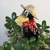 Tangoo Keramik Rabe MINI mit Hut, rotes Halstuch mit weißen Punkten