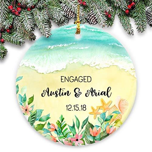 Dozili Engaged Personalisierte Paare Strand Weihnachtsdekoration - Personalisiert mit Namen und Datum im Sand