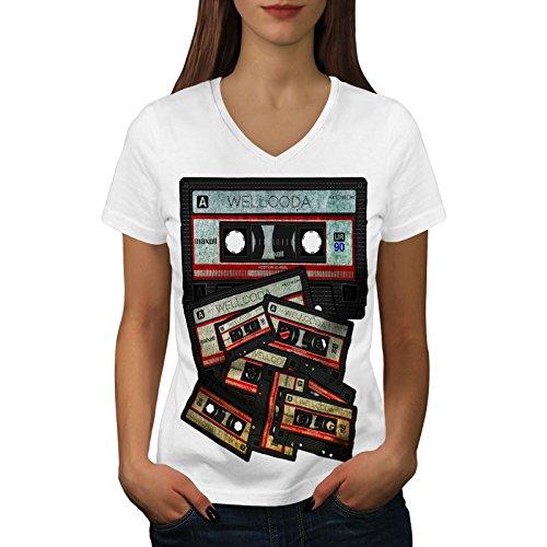 wellcoda Musik Kassette Band Frau V-Ausschnitt T-Shirt 90er Jahre Grafikdesign-T-Stück