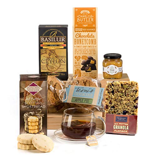 A Very Britsh Tea Time - All British Tea & Biscuits Hamper Box Gift - Free UK Delivery
