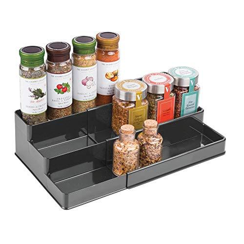 mDesign étagère à épices design - présentoir à épices extensible en plastique pour comptoir & armoire de cuisine - rangement cuisine pratique à 3 niveaux - gris foncé