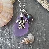 """Fatto a mano alle Hawaii, collana di vetro di mare viola""""Magical Colouring"""", perla d'acqua dolce, charm di tartaruga, catena in argento sterling, confezione regalo,""""Birthstone di febbraio"""""""