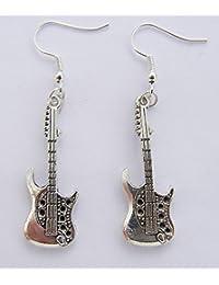 Cornwall Art Prints Pendientes de guitarra eléctrica de color plateado, ganchos bañados en plata,