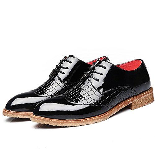 Junge M盲nner wies Bullock Schuhe der britischen M盲nner niedrige Schuhe Spitze Schuhe Gesch盲ft geschnitzt Black