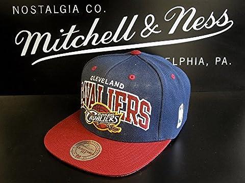 Mitchell & Ness NBA Cleveland Cavaliers Team Arch NA80Z Snapback Cap Basecap Men