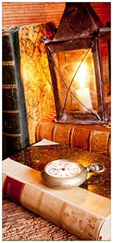 Posterdepot Papel pintado para puerta puerta Póster antigüedad Farol con vela, antiguos libros y reloj de bolsillo-Tamaño 93x 205cm, 1pieza, ktt0234