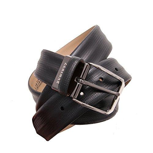 Authentique ceinture faite avec peau de vachette. Mesures: 95-100-105-115 cm. Couleur noir. Noir