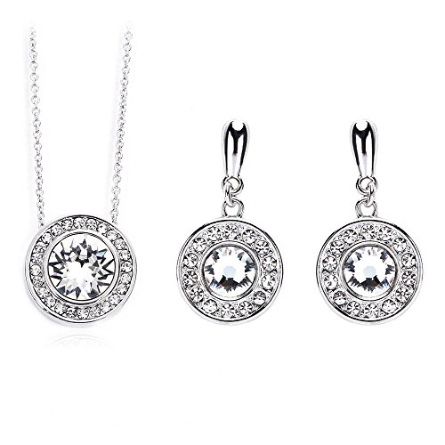 exclusive-pendant-necklace-and-earring-set-perfect-if-you-love-fashionable-jewellery-for-all-occasio