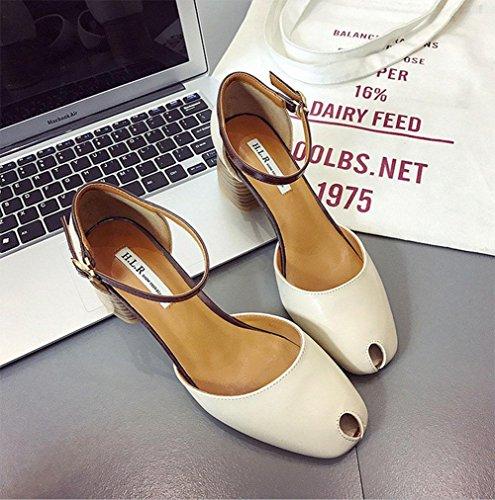 Die neuen hochhackigen Schuhe mit dicken Sandalen Frauen Sandalen hohlen Baotou Wort quadratische Kopf Damenmode Schnalle Beige