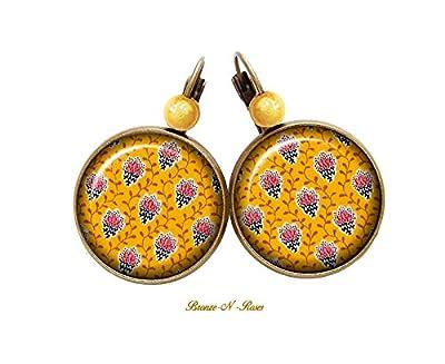 Boucles d'oreilles * Petites fleurs de Provence * bijou provençal jaune motif verre dormeuses