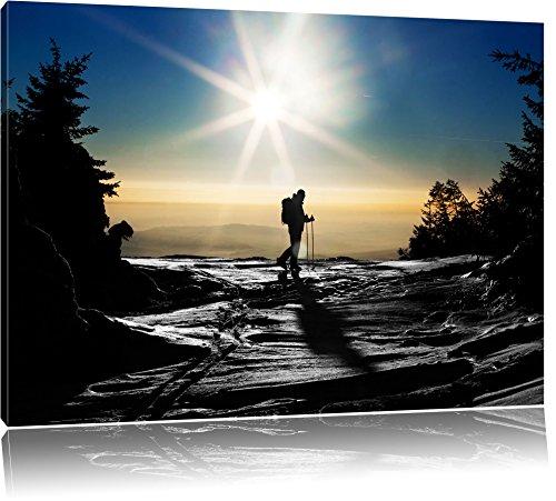 Ski Langläufer auf Berg schwarz/weiß Format: 60x40 auf Leinwand, XXL riesige Bilder fertig gerahmt mit Keilrahmen, Kunstdruck auf Wandbild mit Rahmen, günstiger als Gemälde oder Ölbild, kein Poster oder Plakat