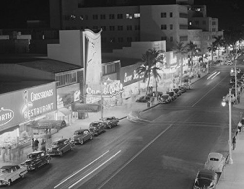 USA Florida Miami night view of Lincoln Road showing restaurant and stores Poster Drucken (45,72 x 60,96 cm)