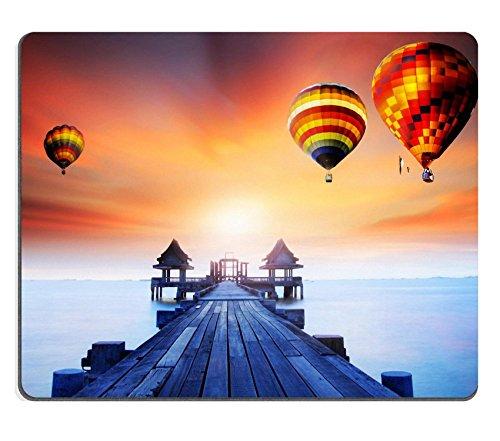 souris-paysage-de-pont-de-bois-le-port-entre-sunrise-image-didentite-20178618-par-liili-souris-perso