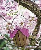 Land & Lust 2018: Großer Wandkalender. Foto-Kunstkalender zum Thema Landleben und bunte Blumen. PhotoArt Kalender im Hochformat. 55 x 45,5 cm