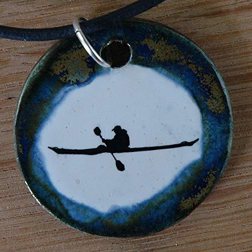 Echtes Kunsthandwerk: Schöner Keramik Anhänger mit einem Ruderer; rudern, Kanu, Kajak