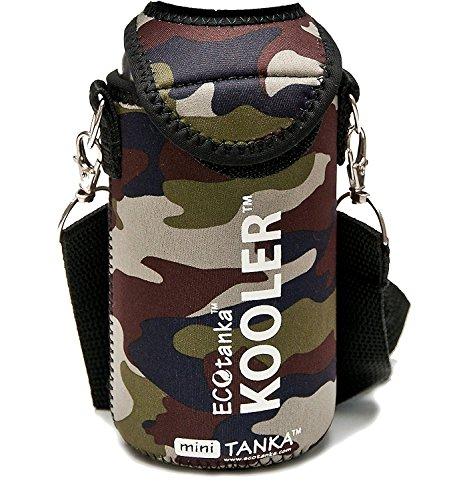 ECOtanka – KOOLER mit Trageriemen (Camouflage / Neopren / universal) für miniTANKA - [ Passend für: 0,33l bis 0,5l Flaschen (Glasflaschen, PET, Plastikflaschen, etc.) Dosen 0,5l ] Getränke länger kalt genießen (500-ml-flasche Poly)