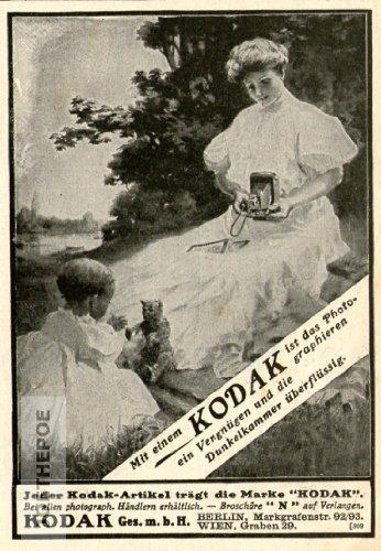 Alte Kodak Kamera (1909 - Anzeige / Inserat : KODAK KAMERAS / MOTIV FRAU MIT KIND UND PUPPE - Format ca. 90x130 mm - alte Werbung / Originalwerbung/ Printwerbung / Anzeigenwerbung)