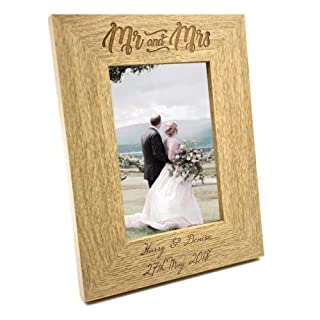 ukgiftstoreonline Personalised Engraved Mr and Mrs Wooden Photo Frame Wedding Gift (5 x 7 Inch)