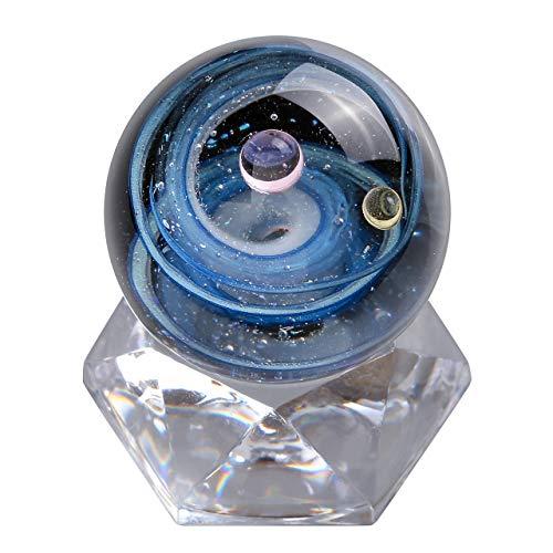 JSDDE Lampwork Glas Kugel Universum Galaxy Nebel Planet 3D Glaskugel mit 30mm Acryl Klar Base Miniaturen Büro Dekoration Ornament Geschenk (Doppel Planet(Pink+Gelb)) (Ware Ribbon Pink)