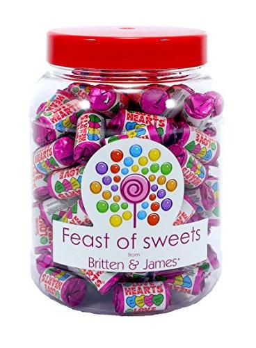 SWIZZELS LOVE HEART MINI ROLLS 1.1kg+. Big Feast of Sweets Jar by Britten & James®. Traditionelle britische Süßigkeiten in einem 2500ml Plastikbecher. Ein perfektes Geschenk (Candy Jar Big)