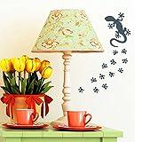 """Wandtattoo Loft """"Gecko mit Tierspuren – Dekoration"""" - Wandtattoo / 49 Farben / 4 Größen / schwarz / 10 x 24 cm"""