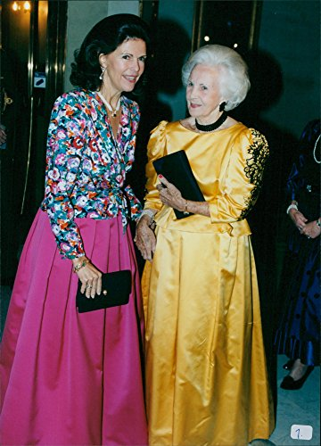 vintage-photo-of-queen-silvia-and-princess-lilian-during-the-olympic-ball-at-the-grand-hotel-in-stoc