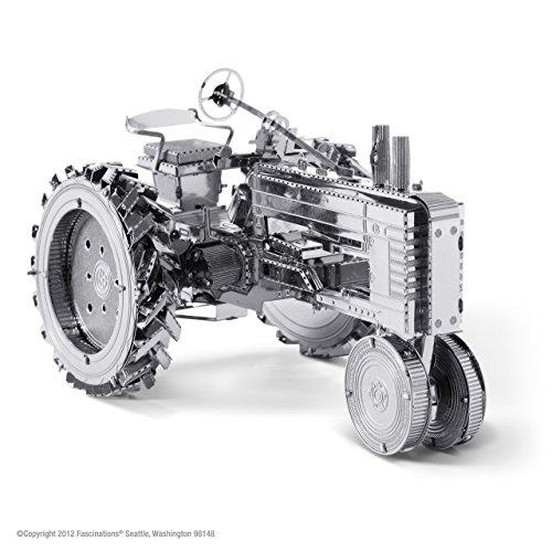 La tierra del metal: Tractor agricola