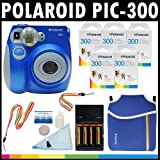 Polaroid Fotocamera analogica con pellicola istantanea PIC-300 (Blu) con (5) confezioni di pellicola istantanea Polaroid 300 da 10 pellicole ciascuna + Custodia Polaroid in Neoprene + Kit pulizia Polaroid + Tracolla e cinghia da polso + (4) batterie AA