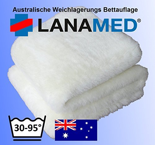 LANAMED S 50 x 80 cm - Australische Antidekubitus Bettauflage aus ultra-dichter Schurwolle mit einer Wollhöhe von ca. 3 cm. Mit ca. 1900 g Schurwolle (Obermaterial) pro m² etwa 50% mehr Wolle als ein medizinisches Lammfell. Bei 30-95° C maschinenwaschbar und trocknergeeignet. Druckentlastend, scherkraftreduzierend, atmungsaktiv und temperaturausgleichend. LANAMED S ca. 50 x 80 cm.