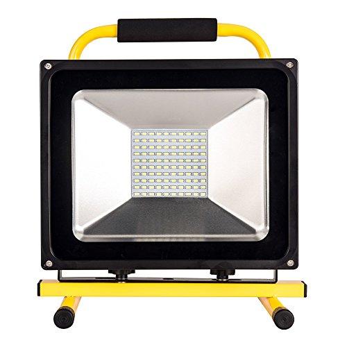 Akku Baustrahler Led Arbeitsleuchte Akku - ROS50G(Upgrade) 50W led Strahler 8 Stunden Leuchtdauer mit GS geprüftes Ladegerät, 100 LEDs 100% Helligkeit Garantie, IP65 von Roilois