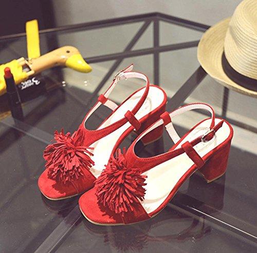 YMXJB L'Europe et la femme épaisse percée avec sandales hauts talons Red
