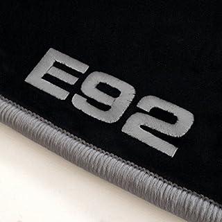 Autoteppich-Stylers ATS-Q300_E92-502 Passgenaue Velours Fußmatten mit Logo Stick (E92) und Rand in Silbergrau