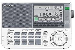 Sangean ATS-909X Weltempfänger (LW/MW/KW/UKW-Tuner, Senderspeicher, ATS, Weltzeituhr, Weckfunktion) inkl. Tasche und Kopfhörer weiß
