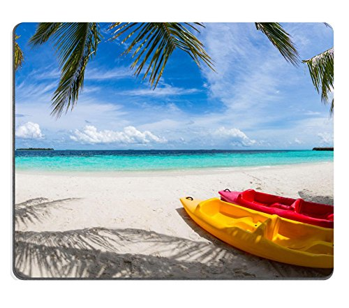 luxlady Gaming Mousepad-ID: 44150851 gelb und rot Kajak am Strand unter Coco Palms -