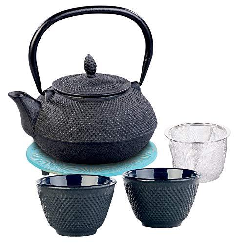 Rosenstein & Söhne Tee-Sets China: Asiatische Teekanne, Untersetzer und 2 Becher, Gusseisen, schwarz/blau (Japanisches Teeset)