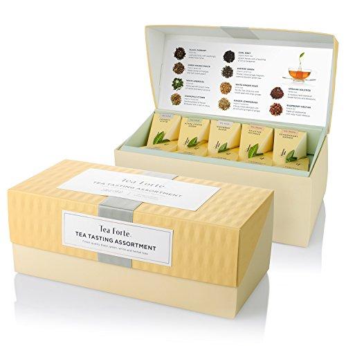 Teekiste mit 20 handgefertigten, pyramidenförmigen Teebeuteln von Tea Forté, Präsentationsbox mit einer gemischten Teesammlung aus Schwarzen Tees, Weißen Tees, Grünen Tees und Kräutertees