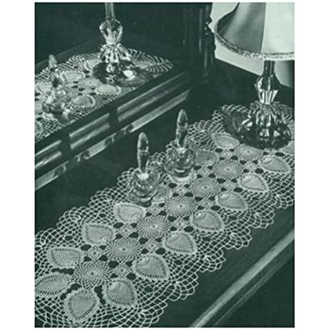 #0967 RUNNER AND VANITY SET VINTAGE CROCHET PATTERN (Single Patterns) (English Edition)