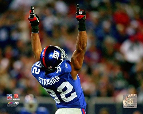 michael-strahan-celebrates-after-becoming-the-giants-all-time-sack-leader-against-the-philadelphia-e